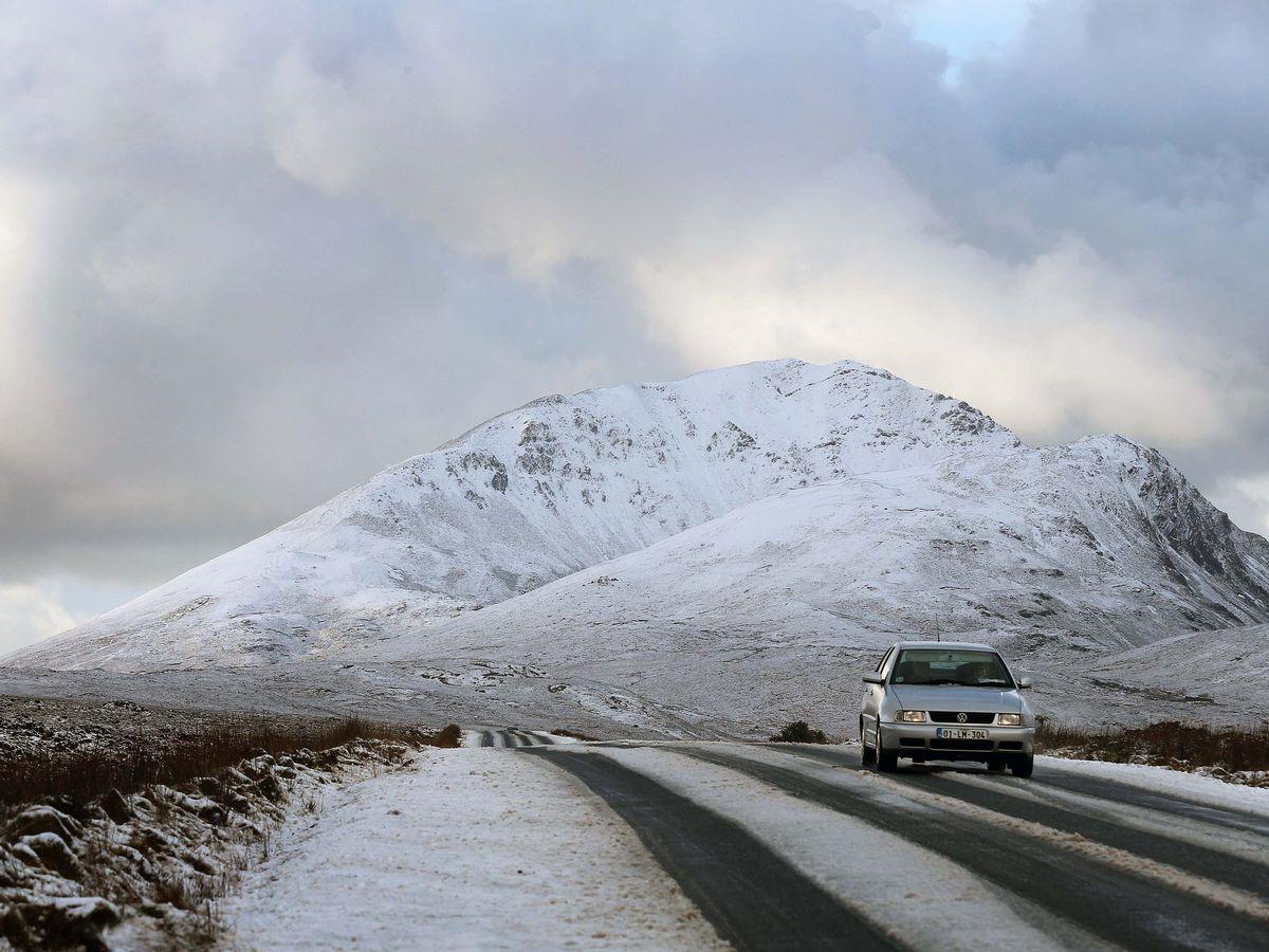 Kết quả hình ảnh cho Errigal moutain ireland winter